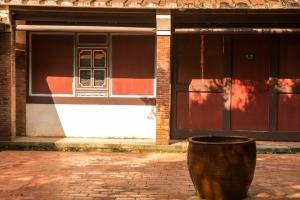 Une des cours de la demeure (Photo Joris Bertrand)